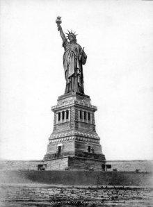 26Cityroom-Statue-Span2-blog480